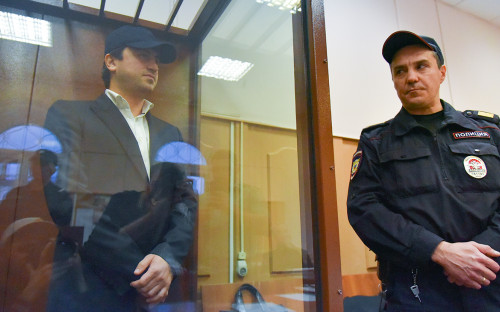 Владимир Александров (слева)