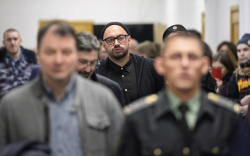 Кирилл Серебренников (в центре)в Басманном суде. 16 января 2018 года