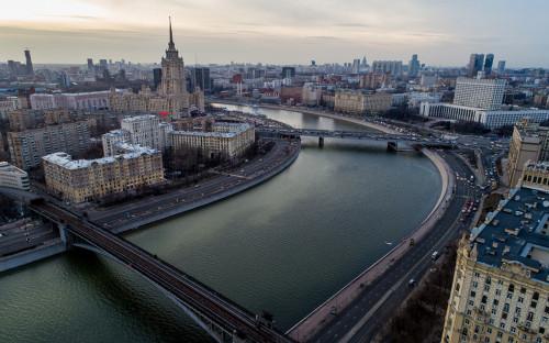 Вид на Москва-реку и Дом правительства РФ