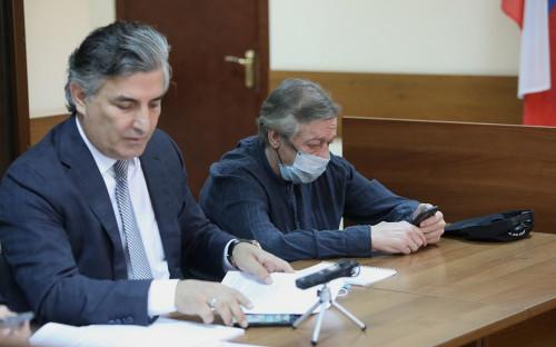 Эльман Пашаев и Михаил Ефремов (справа)