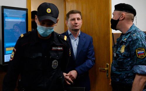 Сергей Фургал (в центре)