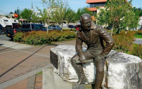 Памятник Александру Баранову