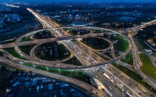 Многие развязки на МКАД выступают границей Москвы и Московской области