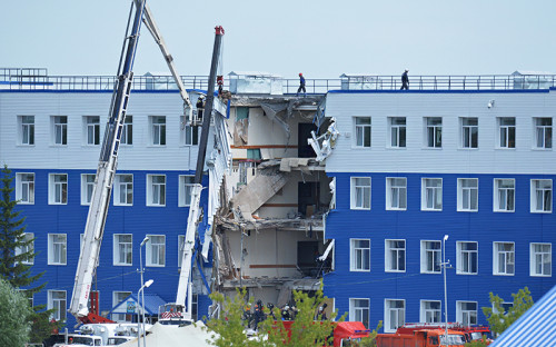 Здание обрушившейся казармы под Омском