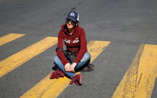 <p>Блокировать дороги в Ереване, как рассказал РБК один из участников забастовки Артур Колян, демонстранты, как и призывал накануне лидер протеста, начали с 8:15 по местному времени (7:15 мск).</p>