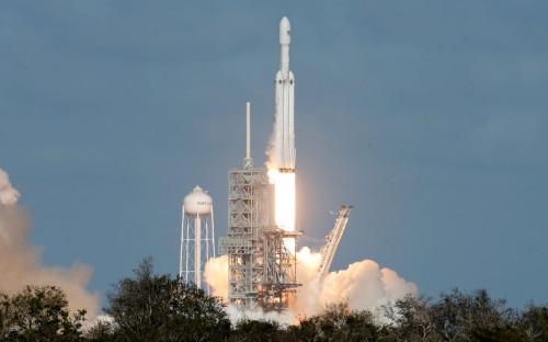 Сверхтяжелая ракета Falcon Heavy стартовала 6 февраля в 15:45 (23:45 мск)