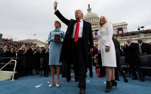 Дональд Трамп с женой Меланией (слева)и дочерью Тиффани
