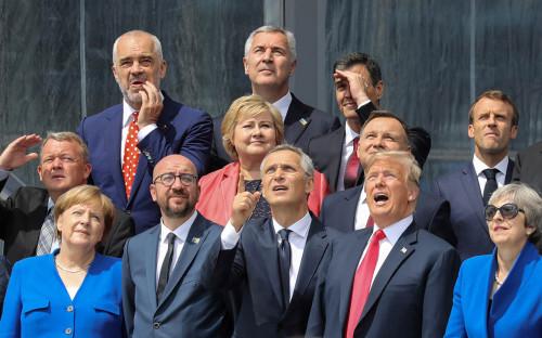 <p>Ангела Меркель, Шарль Мишель, Йенс Столтенберг,&nbsp;Дональд Трамп и Тереза Мэй</p>  <p></p>  <p></p>  <p></p>