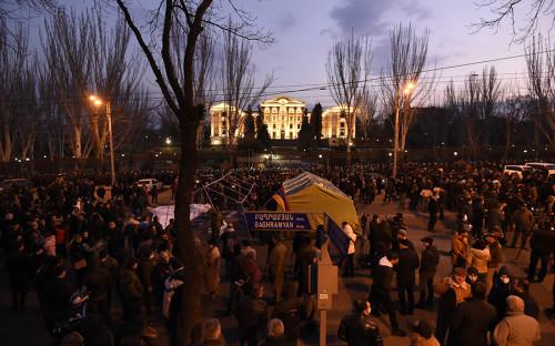 Минобороны Армении ответило на протесты в Ереване фразой «вне политики»