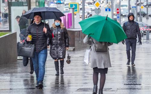 Биолог связала распространение коронавируса в России с дождями