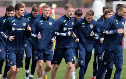 Фото:Футболисты сборной России (Фото: Global Look Press)