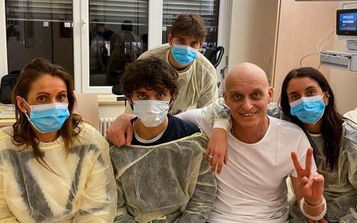 Олег Тиньков с семьей