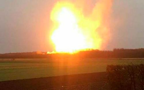 """<p>12 декабря <a href=""""https://www.rbc.ru/business/12/12/2017/5a2fbc039a794751073e5a28"""">произошел взрыв</a> на крупнейшей газораспределительной станции Австрии в районе города Баумгартена. Из-за этого, по словам операторов хаба, значительно упал импорт газа в Европу.</p>"""