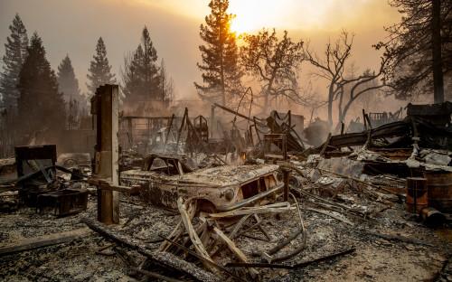 """Пожары в Калифорнии начались 8 ноября утром. Первый очаг&nbsp;<a href=""""https://www.rbc.ru/society/16/11/2018/5bee32369a7947668c5910cf"""">находился</a> в 175&nbsp;км от Сан-Франциско, рядом с горами Сьерра-Невада"""