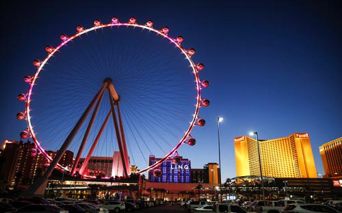 <p>С марта 2014 года самым высоким (167,5 м) и&nbsp;самым дорогим ($180 млн) колесом в&nbsp;мире является High Roller в&nbsp;Лас-Вегасе. Оно располагается рядом&nbsp;с&nbsp;тремя известными казино: Caesars Palace, Flamingo Las Vegas и&nbsp;The Quad Resort &amp; Casino.</p>