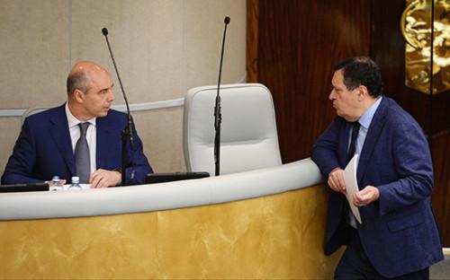 <p>Антон Силуанов и&nbsp;председатель комитета Госдумы РФ по&nbsp;бюджету и&nbsp;налогам Андрей Макаров</p>  <p></p>