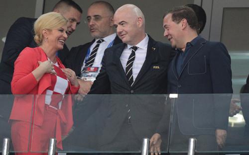 Президент Хорватии Колинда Грабар-Китарович, президент FIFA Джанни Инфантино и глава российского правительства Дмитрий Медведев (слева направо)