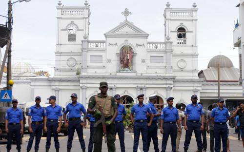 <p>Церковь Святого Антония в Коломбо после взрывов</p>
