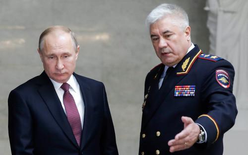 Владимир Путин и Владимир Колокольцев (слева направо)