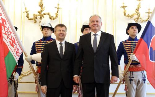 Игорь Лещеня (слева) и экс-президент Словакии Андрей Киска