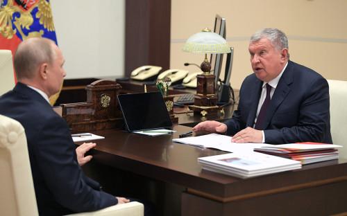 <p>Владимир Путин и&nbsp;Игорь Сечин</p>