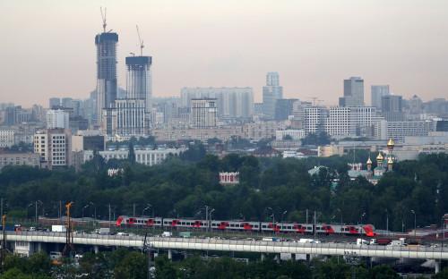 Вид на Третье транспортное кольцо и район Дорогомилово в Москве