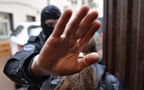 <p>Во время проведения обыска в&nbsp;офисе общественной организации &laquo;Открытая Россия&raquo;. Апрель 2015 года</p>