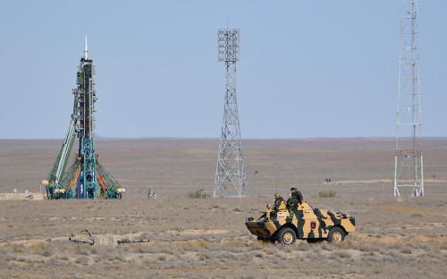<p>Ракета-носитель с пилотируемым кораблем &laquo;Союз МС-10&raquo; стартовала с космодрома Байконур в Казахстане в 11:40 мск</p>