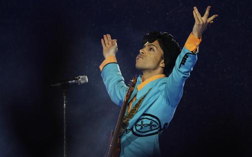 <p>Принс на выступлении в Dolphin Stadium в Майами&nbsp;4 февраля 2007 года&nbsp;</p>