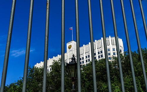 <p>Вид на здание Дома правительства России</p>  <p></p>