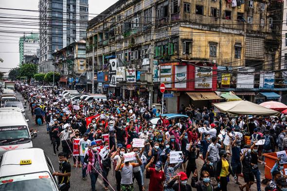 Марш протеста в Янгоне, 8 февраля