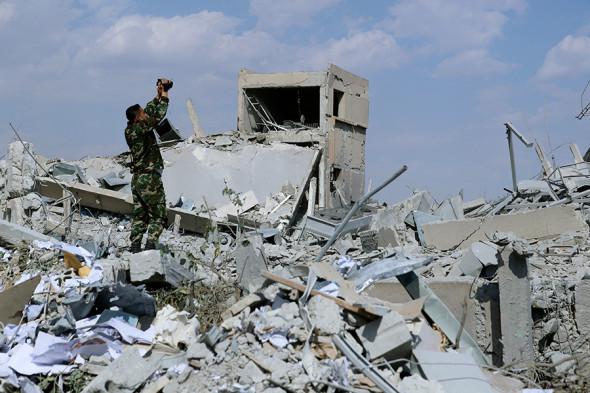"""У відповідь на удари коаліції сирійським режимом було випущено понад 40 ракет класу """"земля-повітря"""", - генерал США Маккензі - Цензор.НЕТ 4907"""