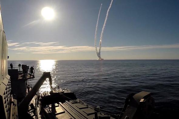 Запуск ракет «Булава» по полигону Кура с крейсера «Юрий Долгорукий» в Белом море