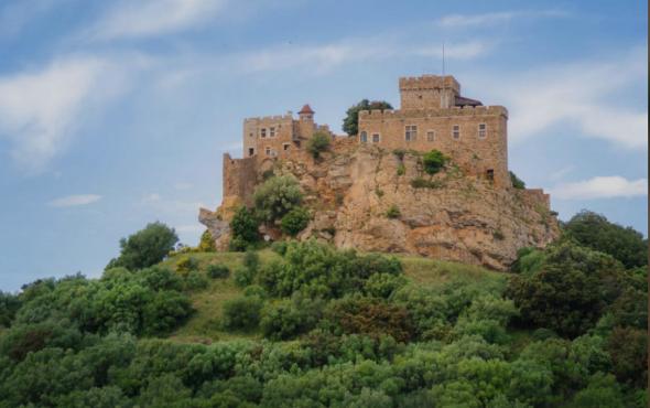 Средневековые замки на продажу рига недвижимость купить