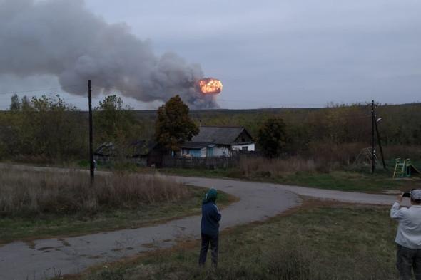 Пожар на складе боеприпасов под Рязанью. Фоторепортаж :: Общество :: РБК