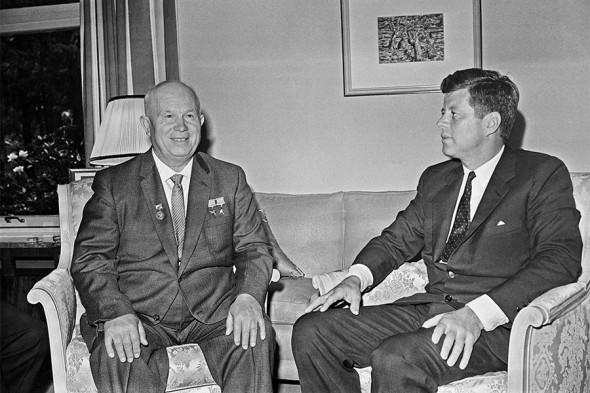 Никита Хрущев и Джон Кеннеди в Вене.