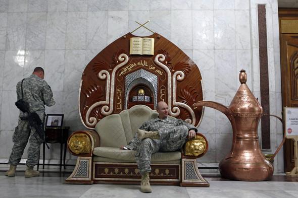 Кресло из дворца Хусейна