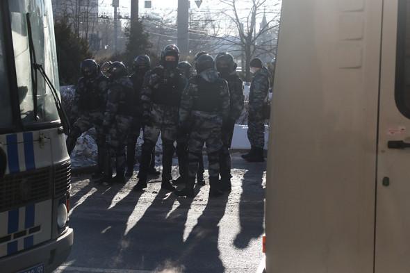 Суд заменил Навальному условный срок на 3,5 года реального