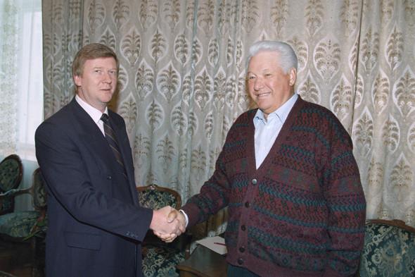 Руководитель администрации президента Анатолий Чубайс и президент Борис Ельцин, 1996 год