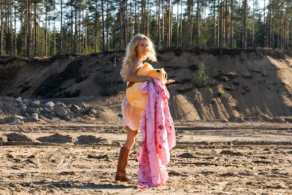 Ксения Собчак на съемках фильма Ивана Дыховичного «Европа — Азия». 2007 год