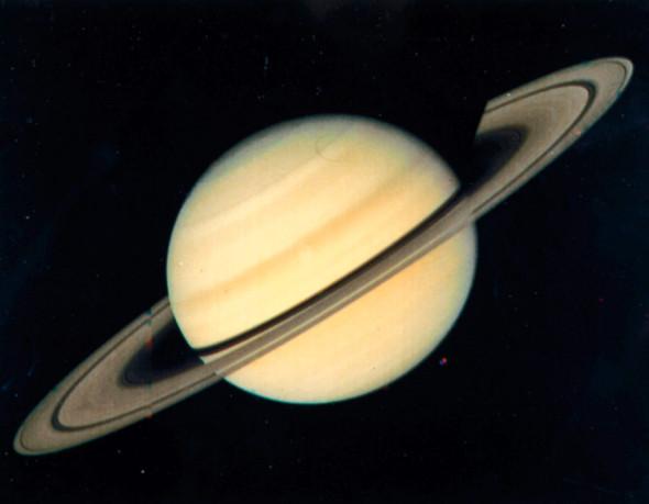 Кольца Сатурна, снятые с расстояния 34 млн км