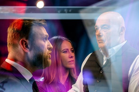 Дебаты с участием политика Алексея Навального и телеведущего Владимира Познера в прямом эфире телеканал «Дождь». 2016 год