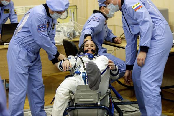 Астронавт NASA Серена Ауньон во время церемонии проводов перед запуском корабля «Союз МС-09»