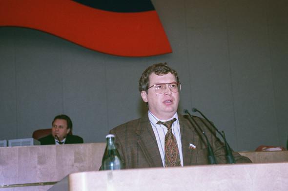Мавроди выступает перед депутатами Госдумы, 1995 год
