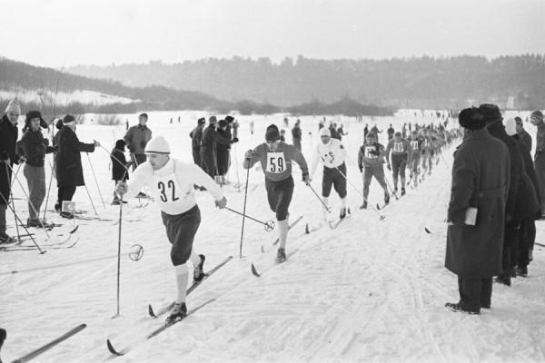 Жарко на этом снегу. Чем запомнился легендарный лыжник Веденин