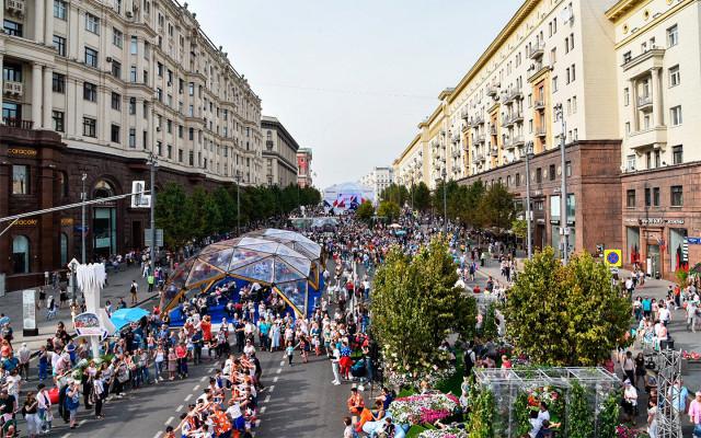 Центр Москвы хотят сделать пешеходным: список улиц