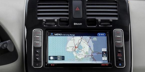 Победителя главной номинации в 2011 г. гораздо привычнее было бы видеть в числе лидеров в одной из трех дополнительных категорий. Что это за автомобиль?