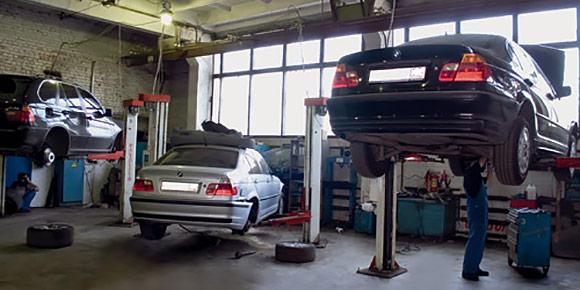 После покупки нового российского автомобиля каждый автовладелец первым делом ехал...