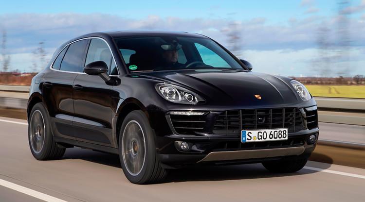 Премиум-сегмент тоже сильно подорожал. Например, Porsche Macan S сегодня стоит уже от 4 388 000 рублей. А за сколько кроссовер можно было купить в декабре 2014-го?