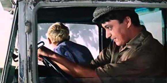 «Будь проклят тот день, когда я сел за баранку этого пылесоса!». Фразу шофера Эдика из «Кавказской пленницы» многие наверняка повторяют до сих пор, но помните ли вы, какое назначение имел тот самый автомобиль?